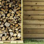 maison à toit plat en bardage bois